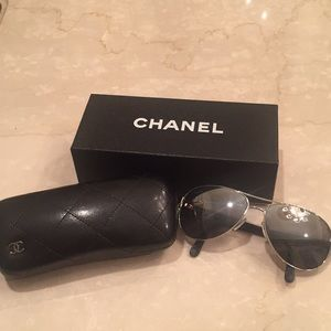 AUTHENTIC POLARIZED CHANEL AVIATOR SUNGLASSES